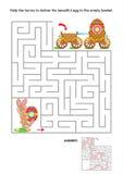 Het spel van het labyrint voor jonge geitjes met konijntje en geschilderde eieren Stock Foto