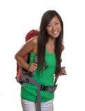 Het lachen Aziatische backpacker royalty-vrije stock foto's