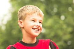 Het lachen jongensportret Royalty-vrije Stock Foto