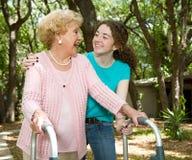 Het Lachen van de grootmoeder & van de Tiener stock afbeelding