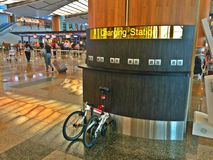 Het laden post bij luchthaventerminal Royalty-vrije Stock Foto