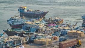 Het laden van een schip in Port Said timelapse in Doubai, de V.A.E stock footage