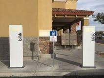Het Laden van het elektrische voertuig Posten Royalty-vrije Stock Fotografie