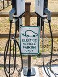 Het Laden van het elektrische voertuig Post Royalty-vrije Stock Fotografie