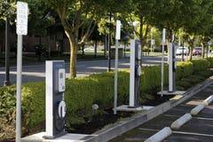 Het Laden van het elektrische voertuig Posten Royalty-vrije Stock Afbeelding