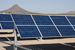 Het landbouwbedrijf van de de energiecollector van het zonnepaneel royalty-vrije stock foto
