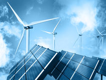Het landbouwbedrijf van de wind en zonnepaneel Royalty-vrije Stock Afbeelding
