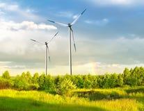 Het landbouwbedrijf van de wind met regenboog Stock Foto
