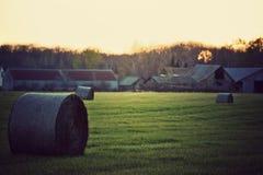 Het Landbouwbedrijf van Wisconsin bij zonsondergang. stock foto