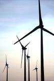 Het landbouwbedrijfsilhouetten van de wind stock fotografie