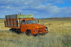 Het Landbouwbedrijfvrachtwagen van Ford F600 - Houten Doos Stock Afbeeldingen