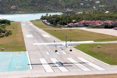 Het landen bij St. Barth luchthaven Royalty-vrije Stock Afbeeldingen