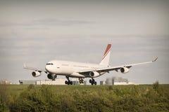 Het Landen van het vliegtuig stock foto