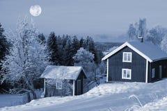 Het landschap en de volle maan van de winter Stock Foto