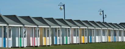 Het Landschap het UK van strandhutten Stock Fotografie