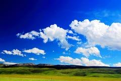 Het landschap op de weg aan het Plateau van Qinghai Tibet stock foto