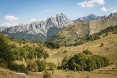 Het landschap van Apenninebergen, Toscanië, Italië Stock Foto