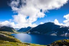 Het landschap van bergdalsnibba in Geiranger, Noorwegen Stock Afbeeldingen