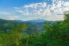 Het landschap van bergheuvels stock afbeelding
