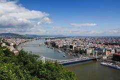 Het landschap van Boedapest en de rivier van Donau hongarije Stock Foto's