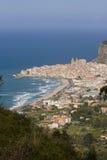 Het landschap van Cefalù Stock Afbeeldingen