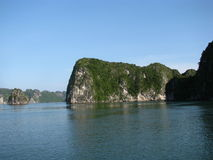 Het Landschap van de Baai van Halong Stock Foto
