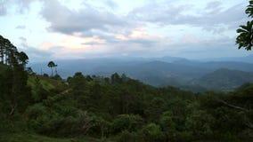 Het landschap van de berg stock video