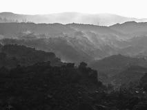 Het landschap van de berg in B&W Stock Foto's