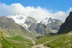 Het landschap van de berg met groen gebied Royalty-vrije Stock Foto