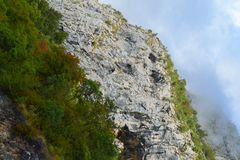 Het landschap van de berg Steenrotsen en hemel montenegro stock fotografie