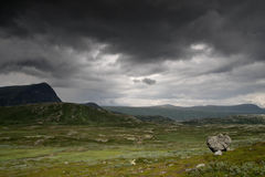 Het landschap van de bergaard in Morway-de zomer Royalty-vrije Stock Afbeeldingen