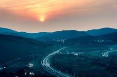 Het landschap van de bergzonsondergang Royalty-vrije Stock Foto