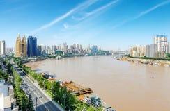 Het landschap van de Chongqingsstad en de Yangtze-Rivier stock foto's