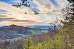 Het Landschap van de de lentezonsondergang Stock Afbeeldingen