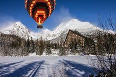 Het landschap van de de winterberg, toevlucht Jasna, Tatras, Slowakije Stock Foto