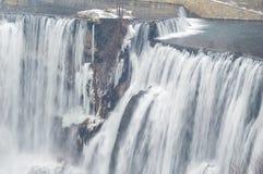het landschap van de de winterwaterval Royalty-vrije Stock Afbeelding