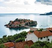 Het landschap van de de zomertoevlucht, Budva, Adriatische overzees Royalty-vrije Stock Foto's