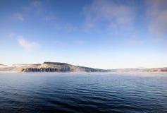 Het Landschap van de Fjord van de winter stock afbeeldingen
