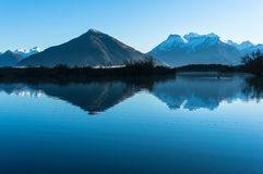 Het landschap van de Glenorchylagune met sneeuw behandelde bergen Stock Afbeelding