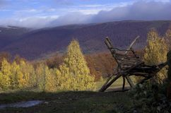 Het landschap van de herfst in bergen Stock Afbeeldingen
