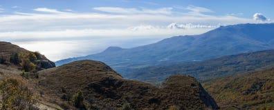 Het landschap van de herfst in de bergen Stock Foto's