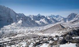 Het landschap van de Himalayanberg in het Nationale Park van Sagarmatha, Nepal royalty-vrije stock afbeeldingen