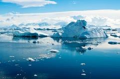 Het landschap van de ijsberg Stock Afbeeldingen
