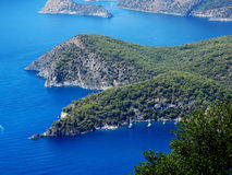Het landschap van de kustlijn van Middellandse Zee Turkije Royalty-vrije Stock Foto's