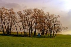Het landschap van de lente Kapel in het landschap Moravian Toscanië, Zuid-Moravië, Tsjechische Republiek, Europa Voeg warme kleur Stock Foto's