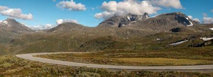Het landschap van de Mounainweg royalty-vrije stock foto's