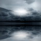 Het landschap van de nacht - nevelig licht Stock Afbeeldingen
