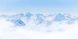 Het Landschap van de sneeuwberg met Blauwe Hemel van Jungfrau-Gebied Stock Afbeelding
