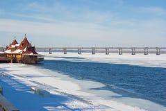 Het landschap van de stad bij de winter Stock Afbeelding