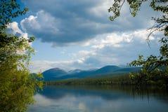 Het landschap van de Teslinrivier Stock Foto